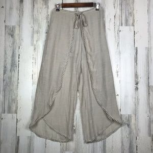 by & by Hippy Tassel Ball Size Medium